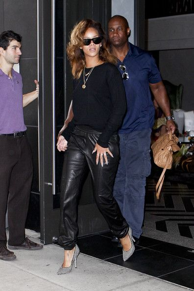RIhanna Houndstooth Pumps with all black look (leather jogging pants and black blouse)
