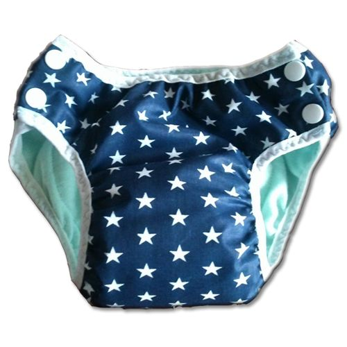 Sötétkék alapon fehér csillagos leszoktató bugyi <------> Training pants - Pinup: The training pants has cotton outer layer which is dark blue with white stars. It has a PUL layer and 2 hygroscopic layer in the middle, and flannel inside. Size:  	11 - 18 kg
