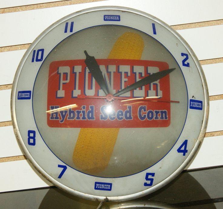 Pioneer Hybrid Seed Corn Antique Clock (Old 1950 Vintage ...