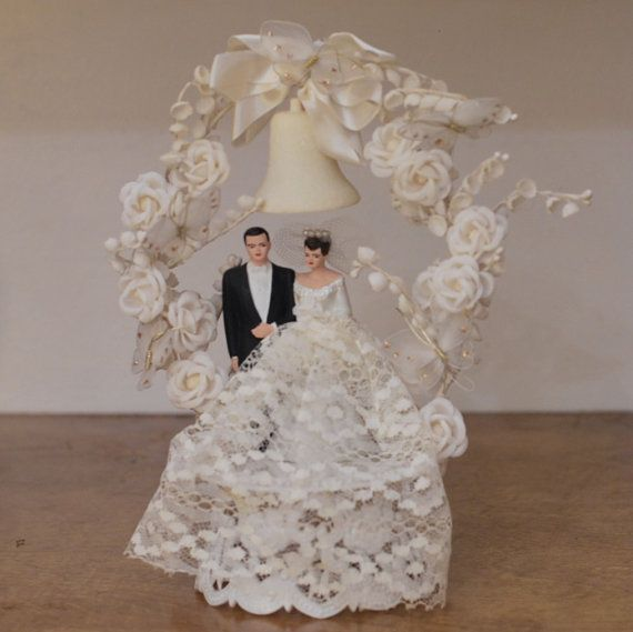 brunette wedding cake toppers 1000 images about vintage brides and grooms on 12201