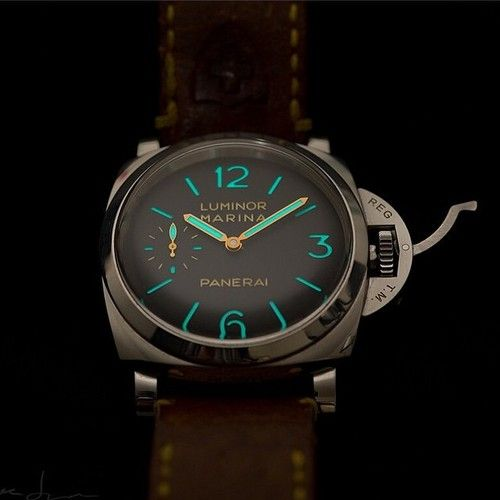 This #Panerai PAM422 Lume shot is a beauty by @psj