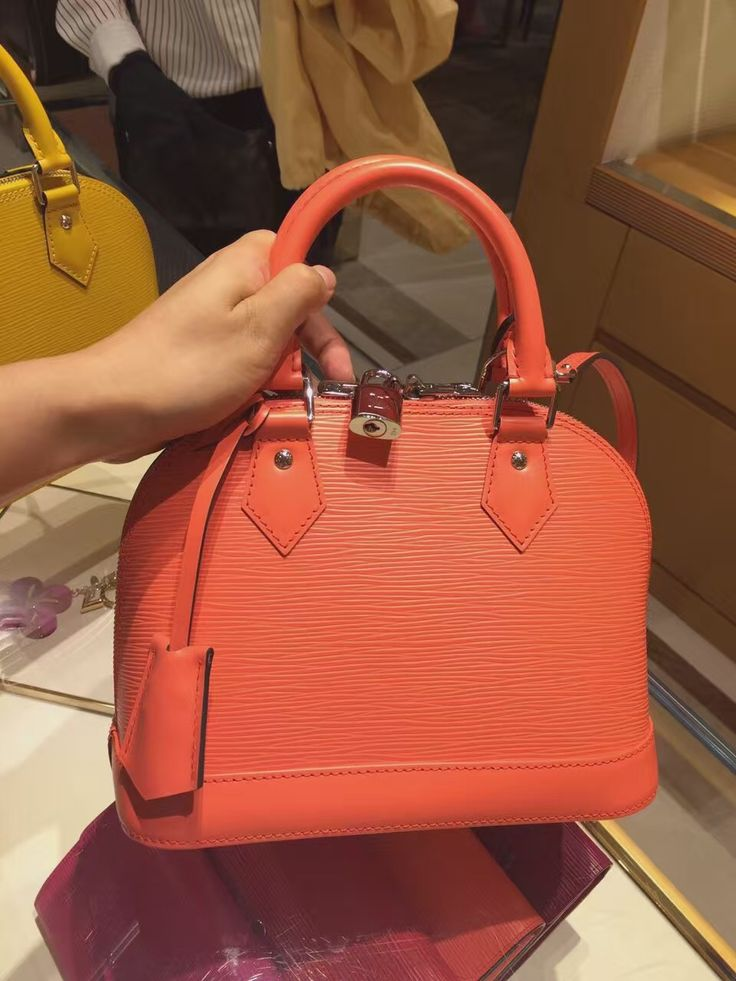 Louis Vuitton epi leather alma bag rose www.luxwomenstore.com #alma #lvalma #luxwomenstore.com