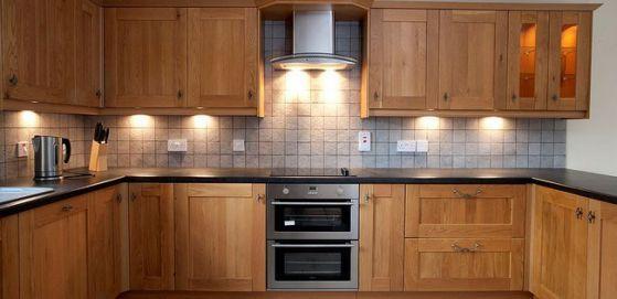 Ideas para cocinas empotradas grandes y pequeñas