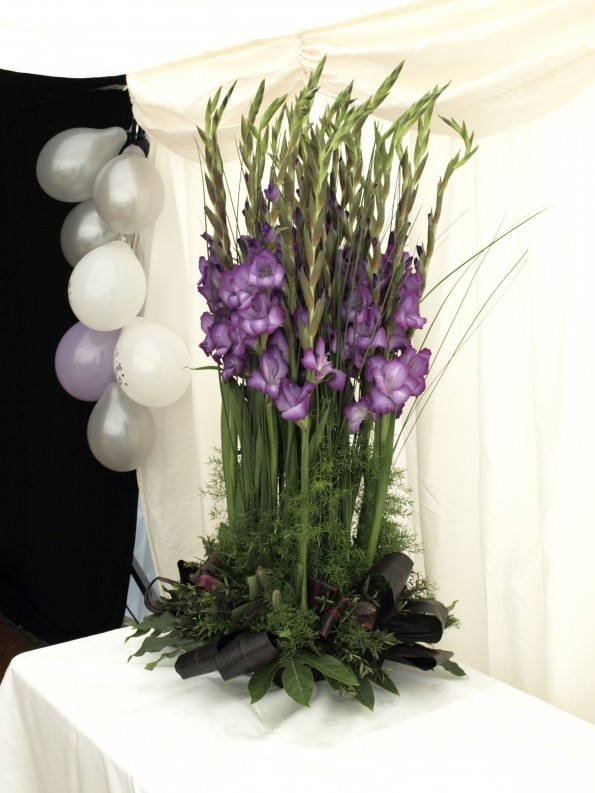 Ideas about gladiolus arrangements on pinterest