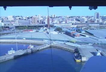 Queen Mary 2 - Bridge (Forward) Webcam / Camera