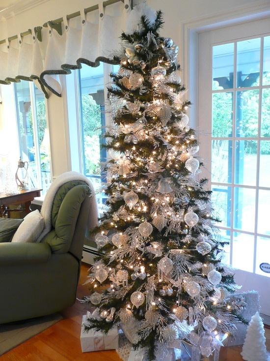 Elegant christmas decorations tree trimming pinterest for Decorating 10ft christmas tree