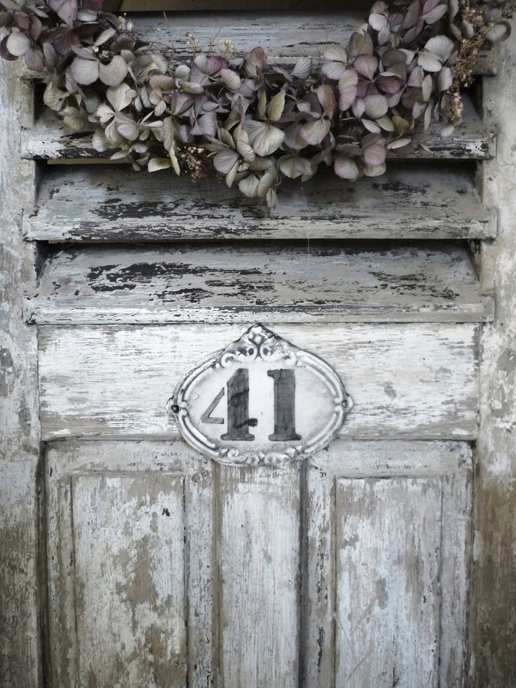 I like this address plaque, maybe I can paint it on the house