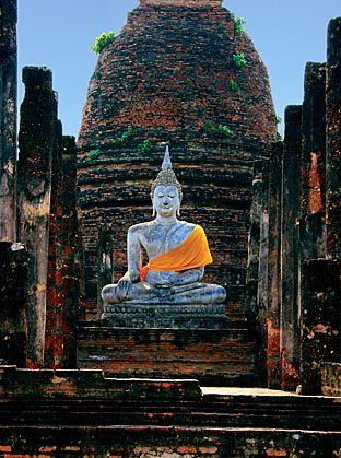 Thai Buddha statue at Sukhothai