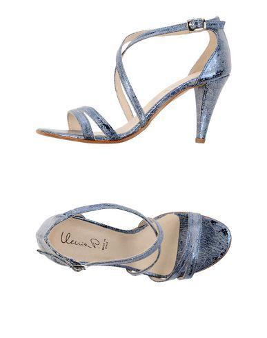 Ilenia P. Sandali Donna.  Acquista su yoox.com: per te i migliori brand della moda e del design, consegna in 48h e pagamento sicuro.