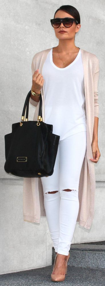 All white look with a pop of blush.  This long cardigan appears to slim your body down, and also gives you some warmth.  Love the chic black bag and sunnies! Stitch Fix 2016.  Stitch Fix Fall 2016.  Stitch Fix Fall Fashion.