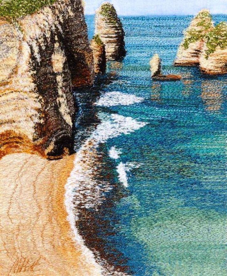 Lembrei da praia da colega ... Da série de Bordados livres à máquina.  Este painel é da artista textil inglesa Alison Holt. Ela só trabalha com dois pontos: costura reta e zigue zague .