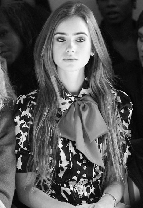 lily collinsFashion Weeks, Bows Ties, Style, Lily Collins, Black White, Pink Bows, Lilies Collins, Big Bows, Hair