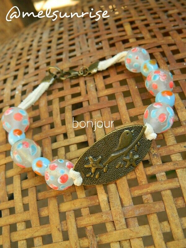 Again, gudho beads. My fav.