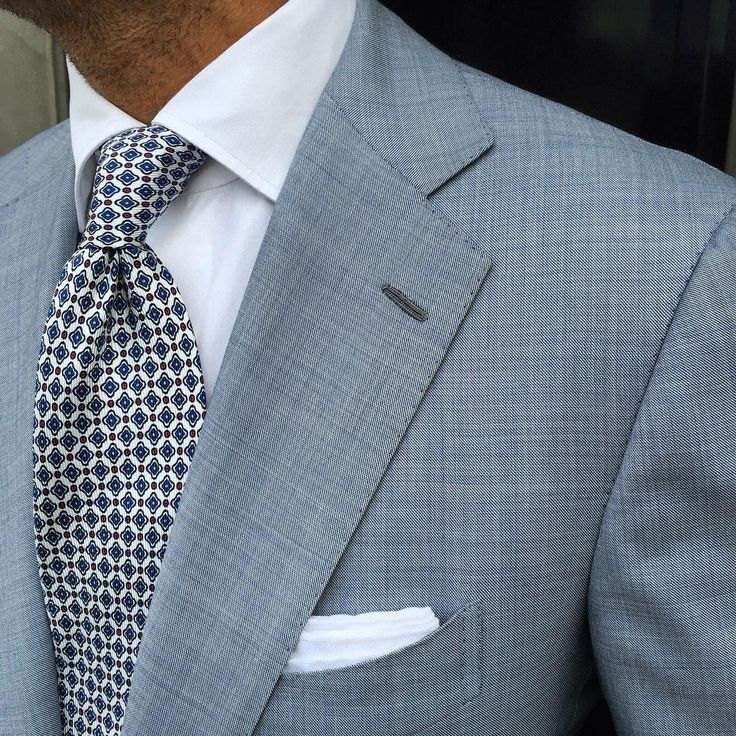 #ootd #suit by @cesareattolini #shirt by @finamore1925 #tie by @violamilano #pocketsquare by @pauwmannen #bespoke #handmade #tailormade #luxury #lifestyle #pauw