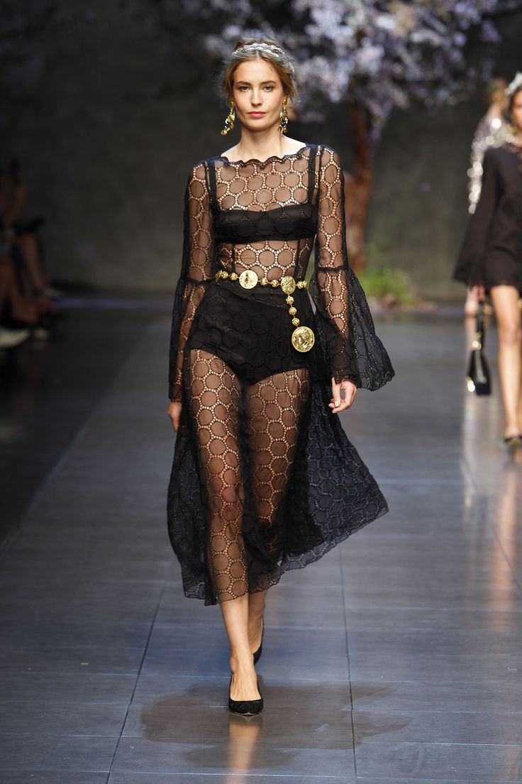 77 best DOLCE & GABBANA images on Pinterest | Fashion show, Spring ...