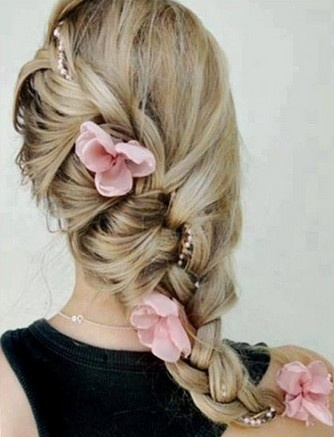 pretty braided hairstyle with pink flower #braid