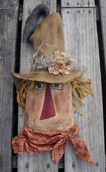 #285 E Pattern 21 Prim scarecrow head. This is in e-pattern form and it is an instant download in pdf form.  ****************************************************************** FACEBOOK: https://www.facebook.com/southernbelle.scentz INSTAGRAM: southernbellescentz BLOG: southernbellescentz.blogspot.com SHOP: theoldecountrycupboard.com