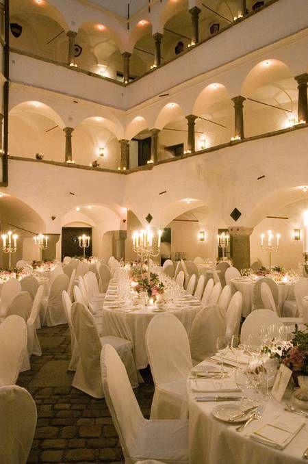 Schloss Amerang: Schlosshof   Locations I Love   Wedding ...
