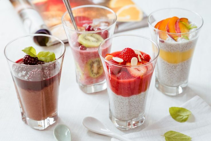 Hledáte chutný letní dezert, který vám nezkazí snahu zhubnout do plavek? Na blogu pro vás máme 5 receptů na poháry s chia semínky.