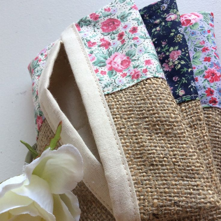 Variety of floral tissue holders available 😊