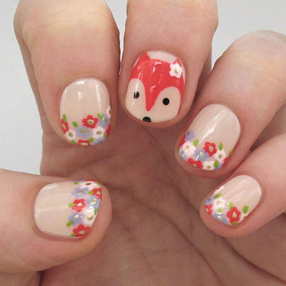These nails are foxy, all right–this floral fox nail art is perfect for any outdoors enthusiast.