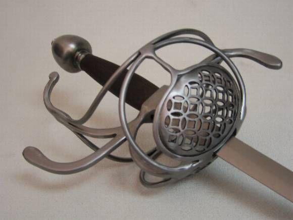 Pappenheimer III - ring-n-ring piercework : Darkwood Armory!, Art in steel