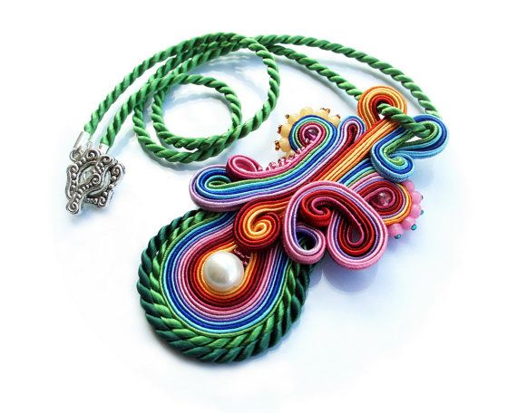 very beautiful soutache pendant !
