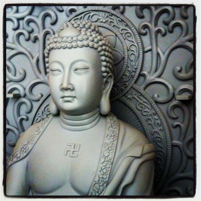 I was so impressed with this stunning #Buddha clay sculpture (100% hand made; approx. 2 full weeks of work) on my recent business trip to China...
