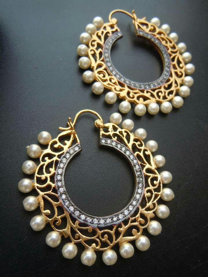 Pearl earings