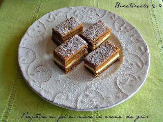 Bucatareala 2.0: Prajitura cu foi cu miere si crema de gris / Layered cake with honey and semolina cream