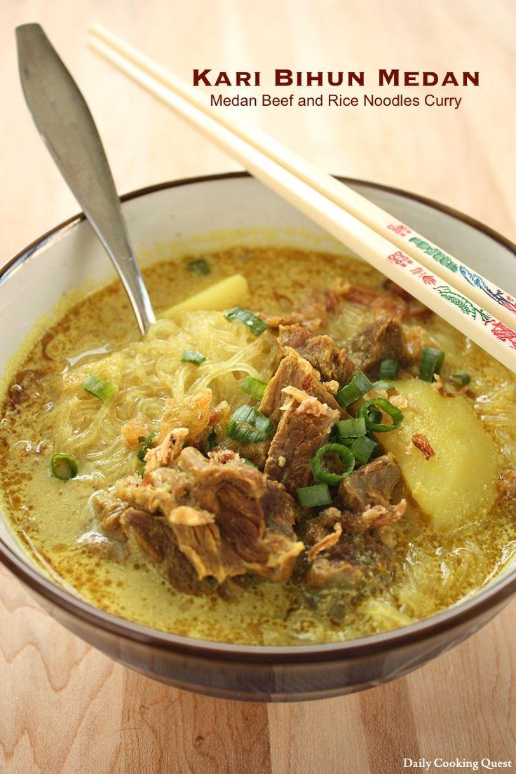 Kari Bihun Medan - Medan Rice Noodles Curry http://dailycookingquest.com/by-cuisine/indonesian/kari-bihun-medan-medan-rice-noodles-curry