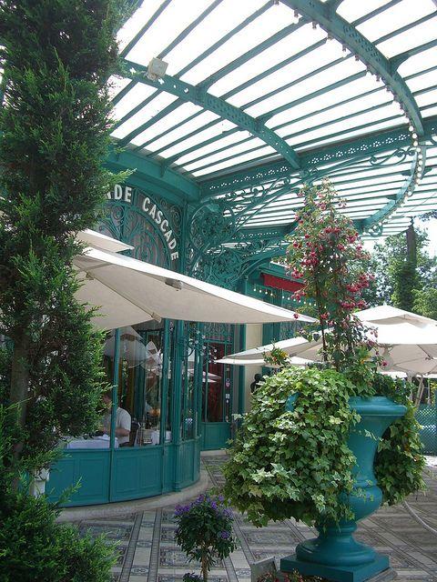 Restaurant La Grande Cascade, Bois de Boulogne, Paris.  Photo: Yvette Gauthier, via Flickr