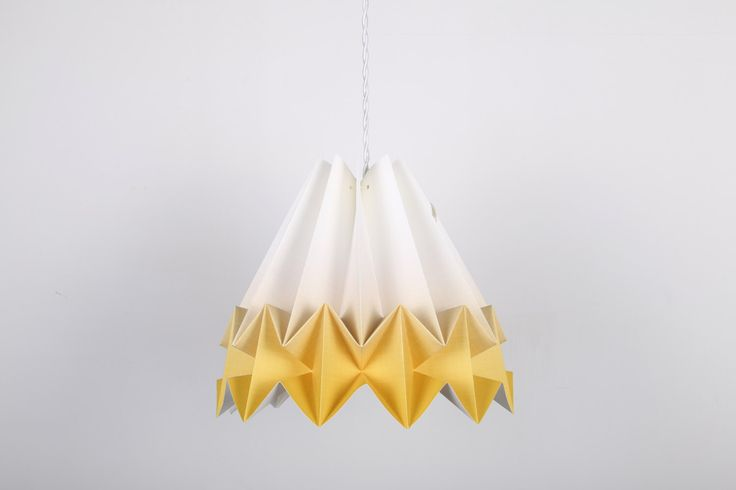 Lampada Origami Mushi Gradient Yellow di DearMyBear su Etsy https://www.etsy.com/it/listing/493668226/lampada-origami-mushi-gradient-yellow