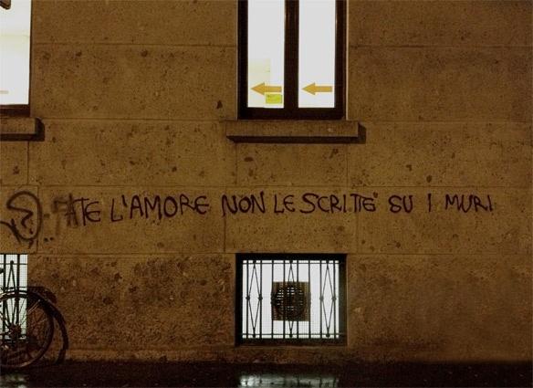 Fate l amore non le scritte sui muri paroleparoleparole for Scritte tumblr sui muri