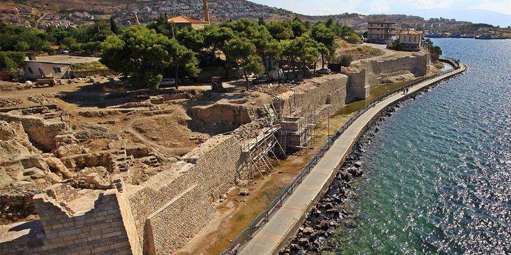 Koskoca bir tarih: #Phokaia #Antik Kenti yok olmak üzere
