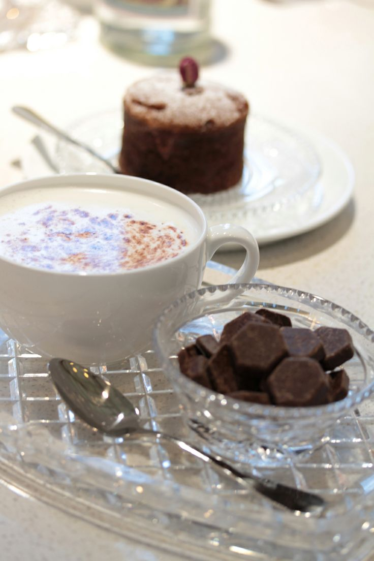 D.I.Y Lindt Hot Chocolate at Cafe Elan...  #CafeElan #ChateauElan #TheVintage #HunterValley #Australia #WineCountry #Luxury #5Star #Hotel #Resort
