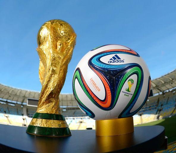 Os Benefícios da Copa do Mundo para o Brasil. Entrevista com Mauro Holzmann, Diretor Executivo de Marketing e Comunicação do Clube Atlético Paranaense.