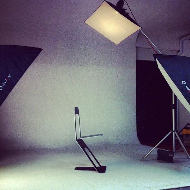 Nuovo shooting per il nostro manifesto #ZeroChair #DOROLIFESTYLE #design #Torino