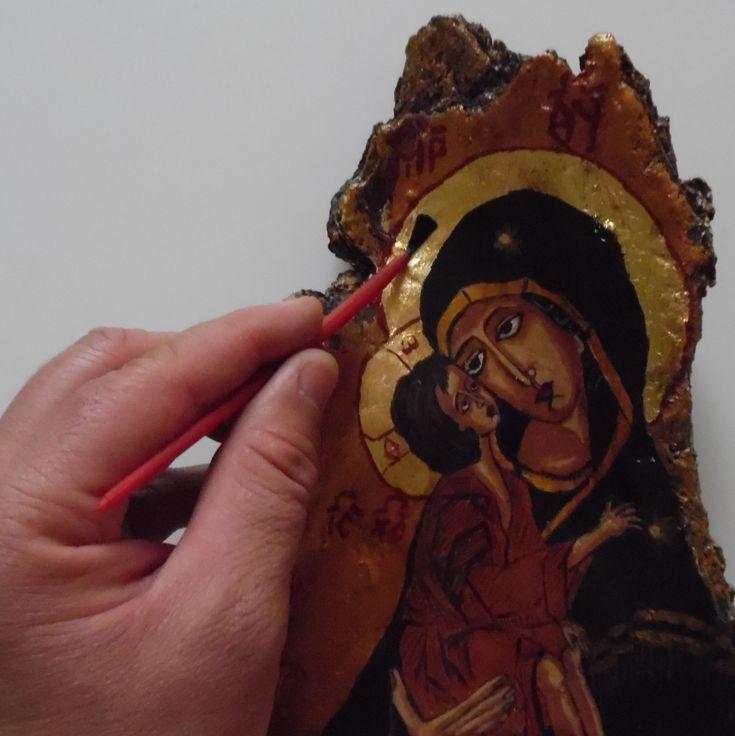 Romanian Byzantine Icons (Cadou - Icoane pictate)  #icoane #icoanepictate #icoanepictatemanual #icoanepesticla #icoanepelemn #icoanepecoajadecopac #cadou #ideidecadou  https://www.facebook.com/pg/icoanepictatecadou  http://icoanepictatecadou.simplesite.com/  https://www.instagram.com/icoanepictatecadou/