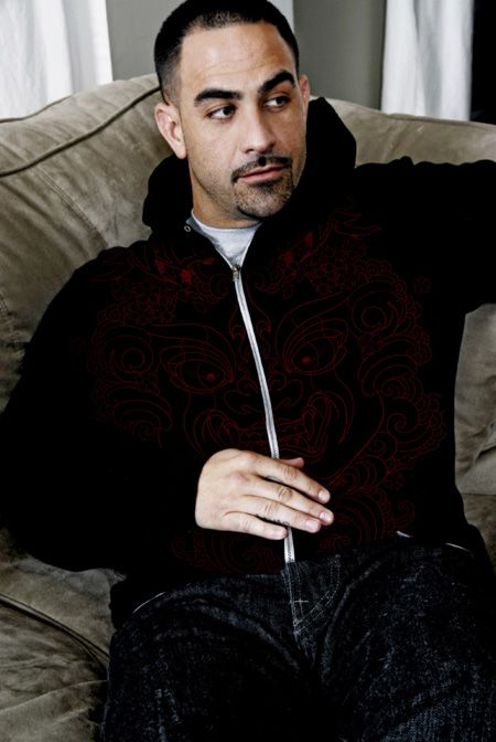 Chris Nunez another amazing tattoo artist..he makes me want to get ink...lots of it! And he's hot.