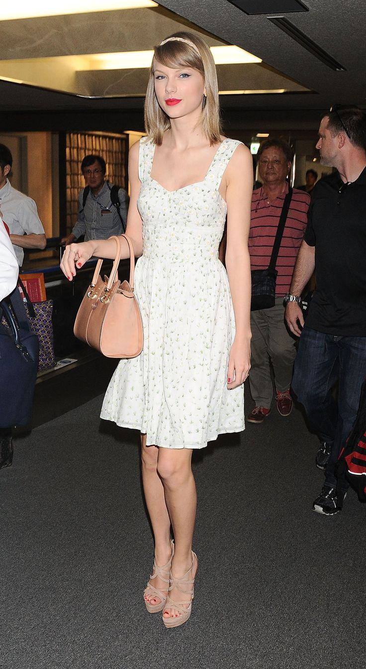 113 best taylor 39 s summer style images on pinterest for Taylor swift coffee shop