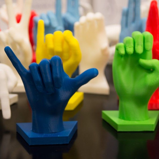 Student 3D Prints Sign Language Learning Game
