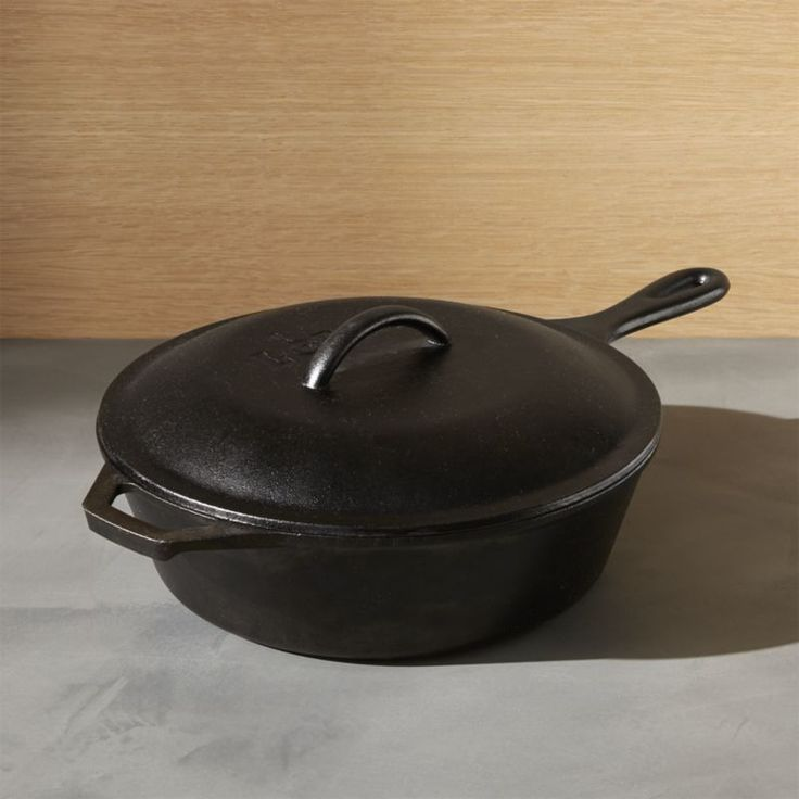 From stove top, to oven, to outdoor grill,  Lodge cast iron cookware does it all. Browse a variety of pans, skillets, bakeware and more. Order online.