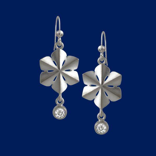 SnowQueen, snowflake, silver earrings.
