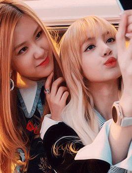 Rose & Lisa   BlackPink K-Pop