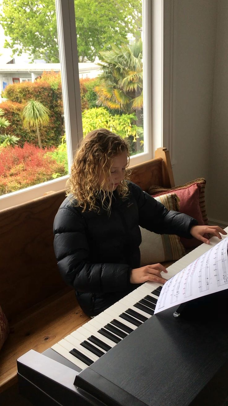 Charlotte playing the piano 2016