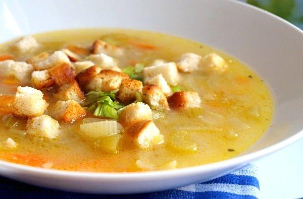 Polévka z řapíkatého celeru s krupicovou jíškou