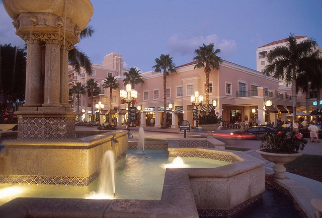 Mizner Park (Boca Raton, Florida) ... We used to live here, in one of the apartments above the shops.