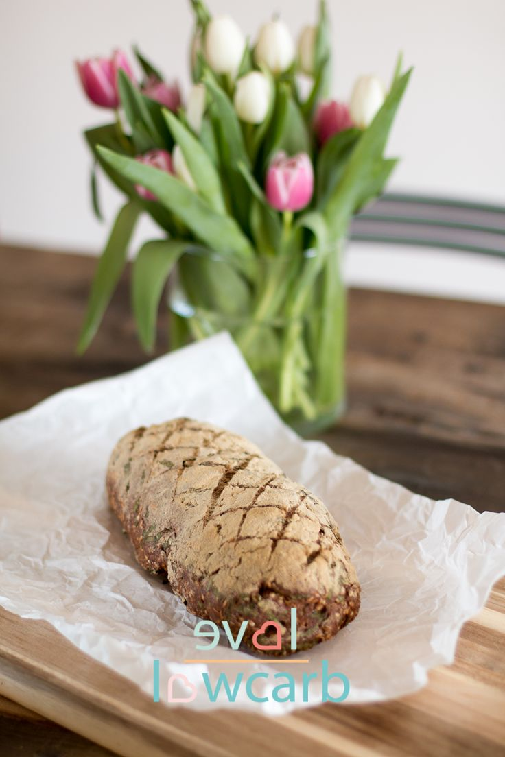 Low Carb Brot mit Leinmehl und Bärlauch