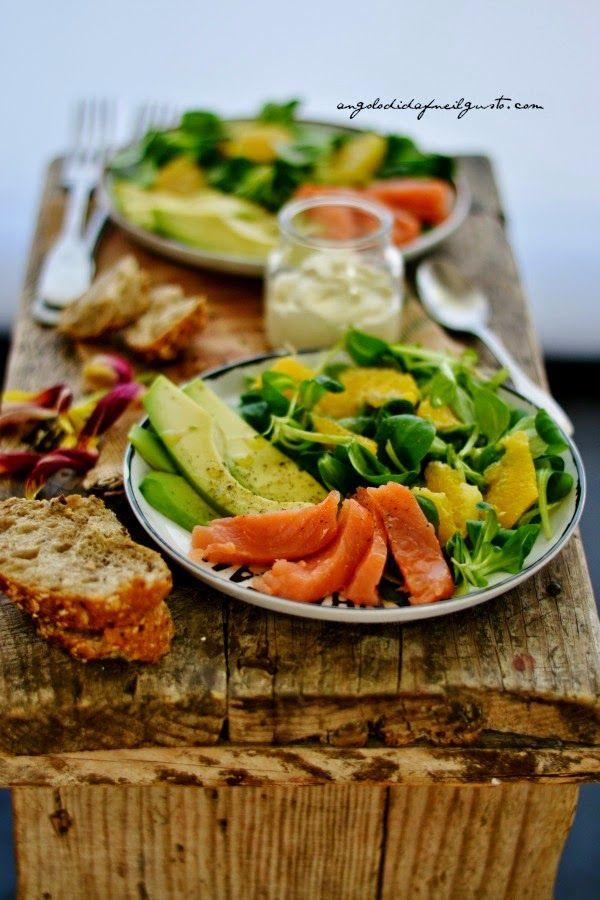 """Dafne's Corner """" il Gusto"""": Insalata di salmone affumicato, songino, avocado e..."""